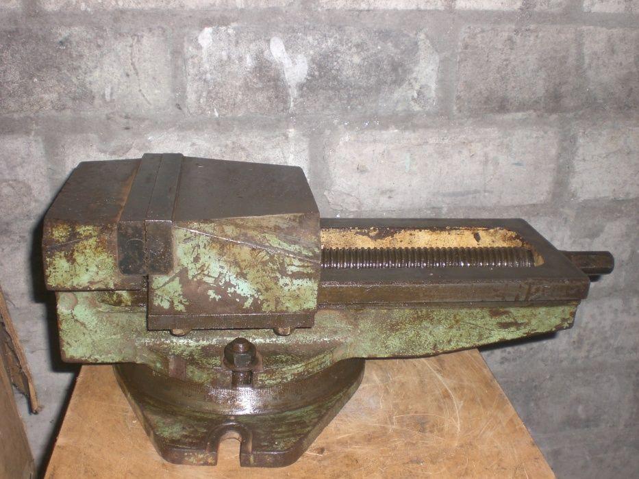 Тиски фрезерные (станочные) с шириной губы 16 см пр-ва СССР поворотные