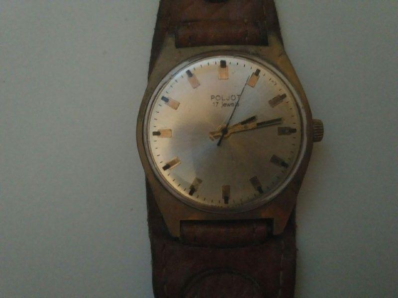 Механические наручные часы продам в принимаемых марки ломбарде часов