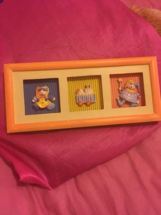 Quadro de madeira pintada para quarto de criança