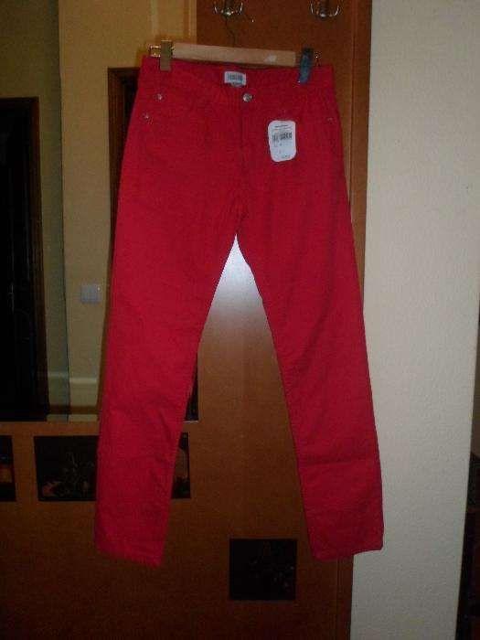 calças novas com etiqueta cor vermelhas c/ elástico 14 anos
