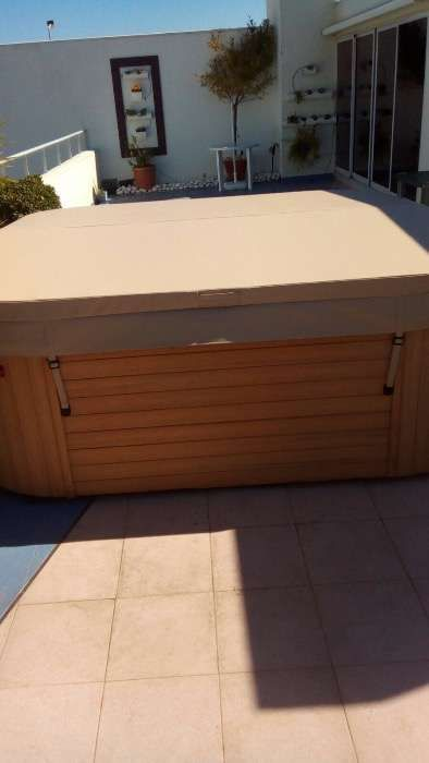 capa Coberturas para jacuzzi spas por medida cascais piscinas e spas Cascais E Estoril - imagem 1