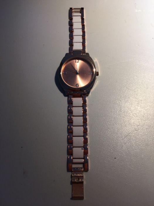 a30203bc572 Relógio de senhora