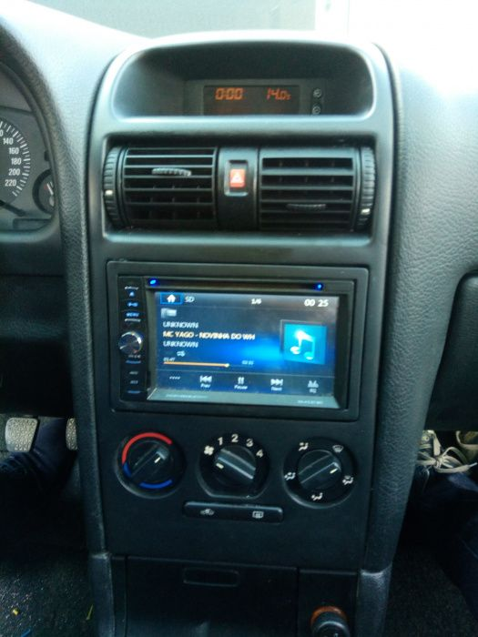 consola 2 din Opel astra G