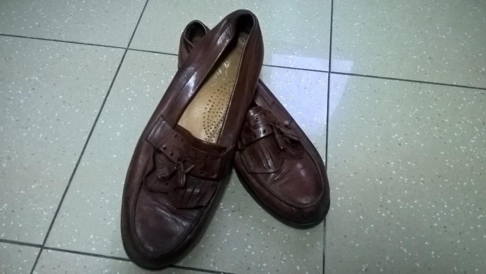 00c9c2de357e5 Sapato de pele Compra, venda e troca de anúncios - encontre o melhor ...