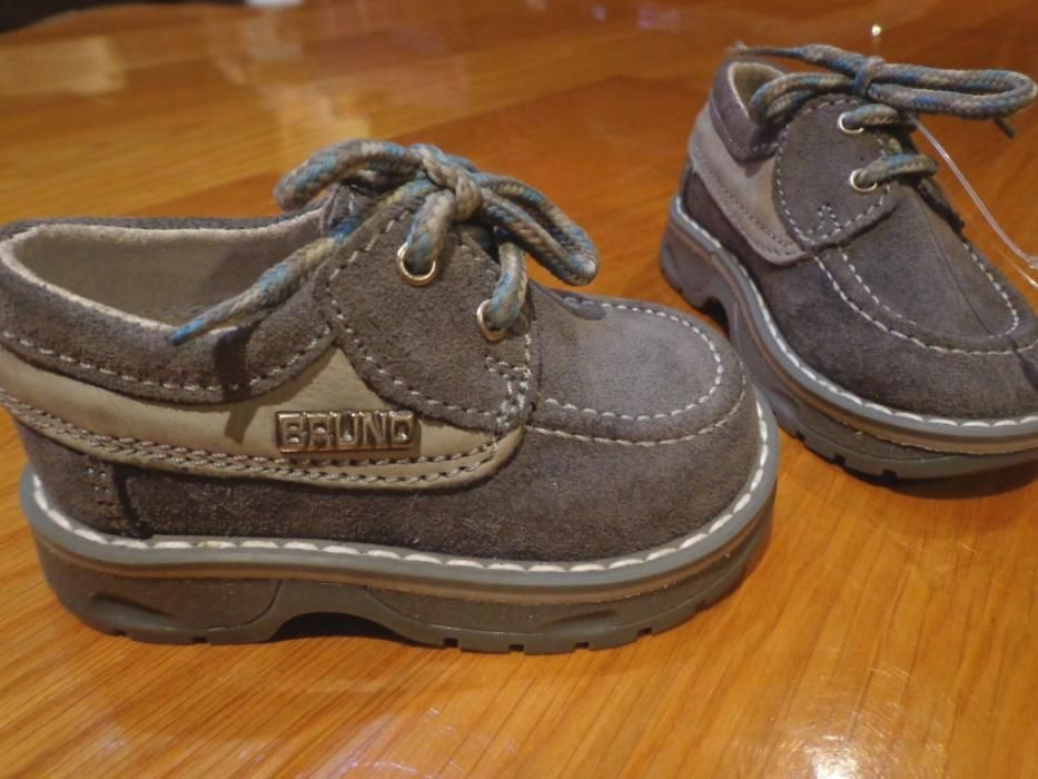 d391c7e8c Sapatos cinzentos - Menino – Pele (Novos) - Valongo - Vendo um par de