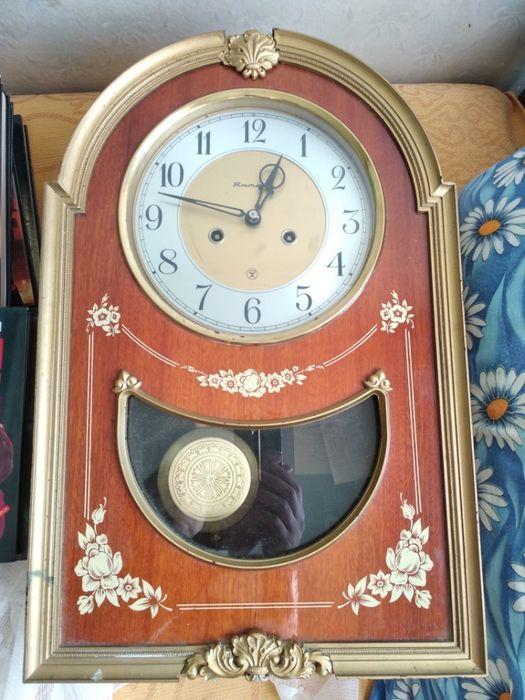 Маятниковые янтарь продам часы работы ломбард в малоярославце часы
