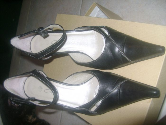 Sapatos pretos em pele Lisboa • OLX Portugal