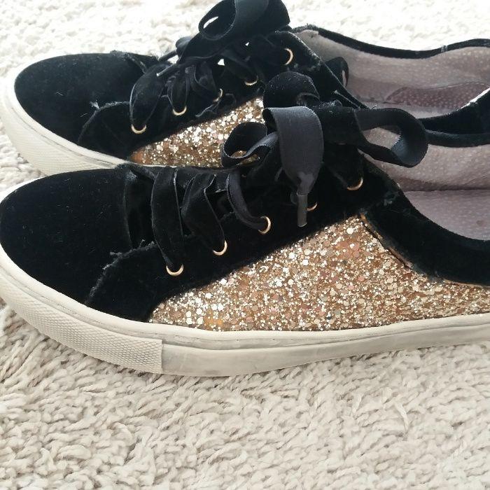 29f325469 sapatilha Cristina preta com gliter dourado tamanho 41