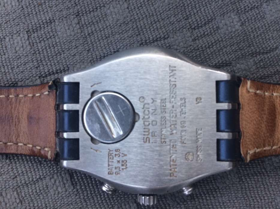 f874ab6ce08 2 Relógios usados m em excelente estado da swatch Venda Do Pinheiro E Santo  Estêvão Das