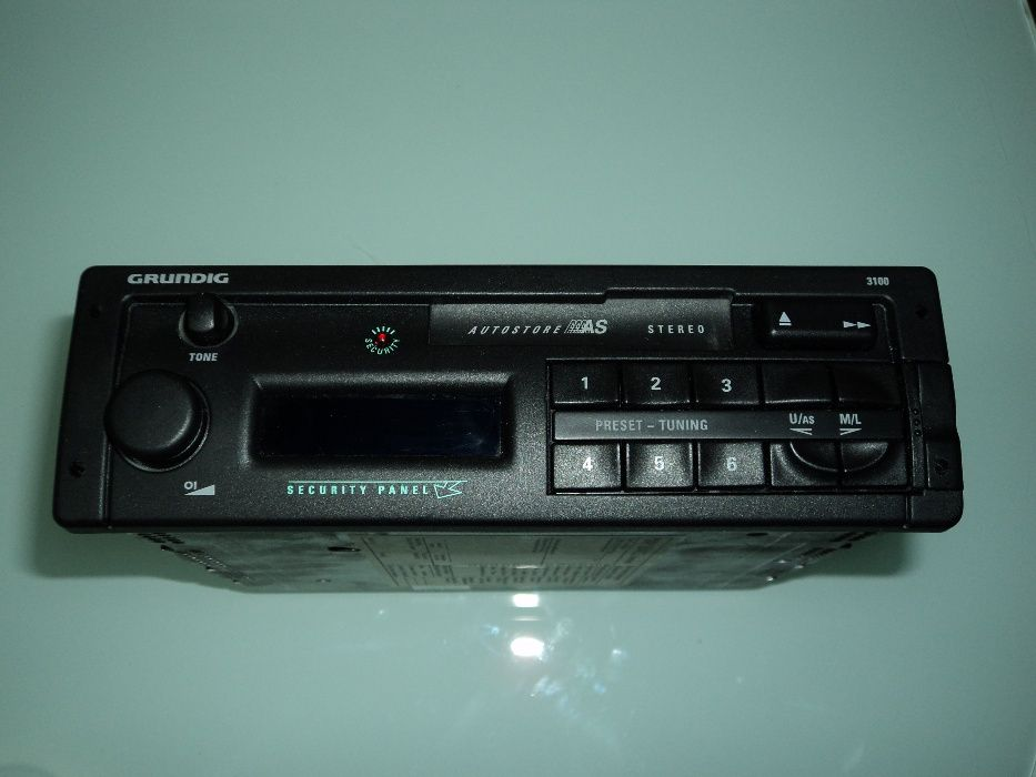 Auto Rádio Grundig WKC 3100