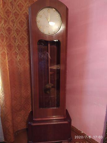 Часы бу продам напольные часы новые продам ссср