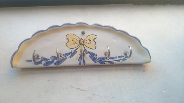 Toalheiro em Cerâmica