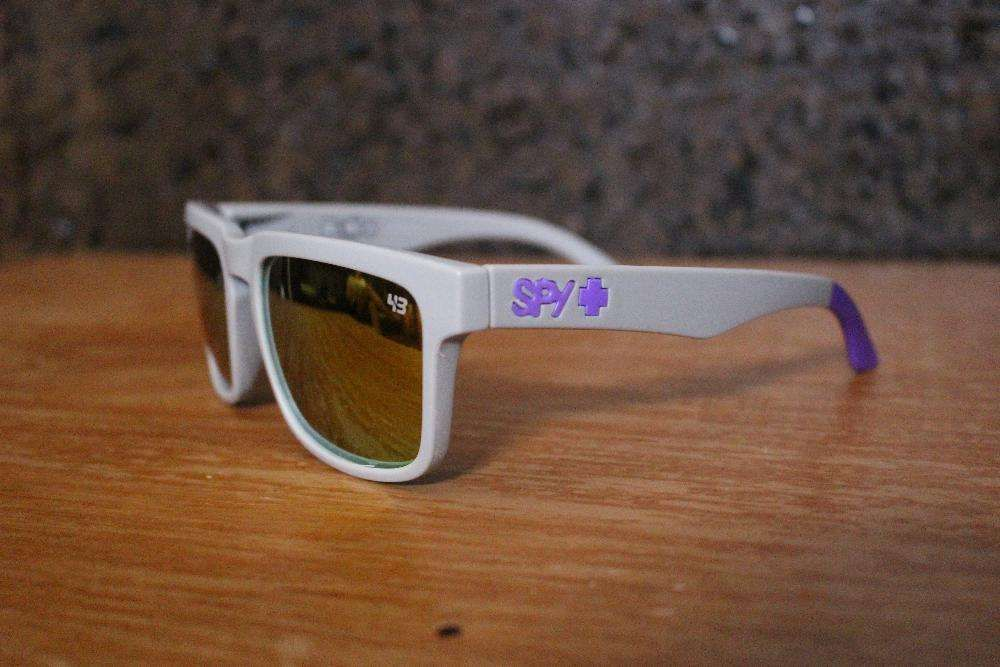 8495b2867e829 Óculos de sol SPY Ken Block - Cinza   Logo Roxo (NOVO) Corroios • OLX  Portugal