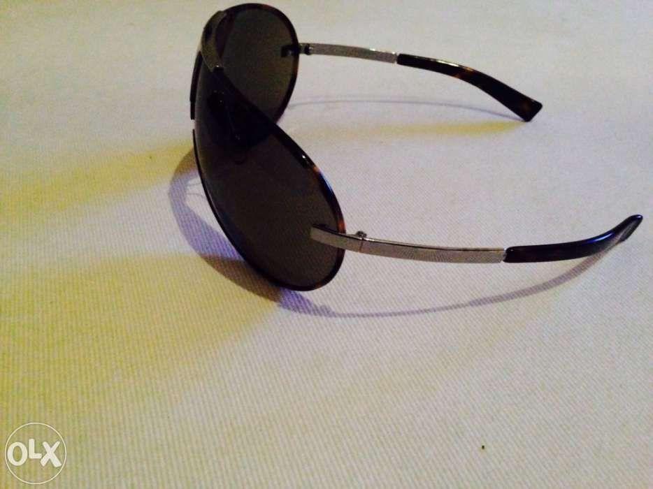 a4010c6b4 Óculos escuros da Yve Saint Laurent em óptimo estado.