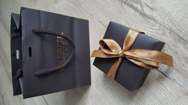 Pudełko, opakowanie oraz torba W. Kruk na biżuterie Prezent