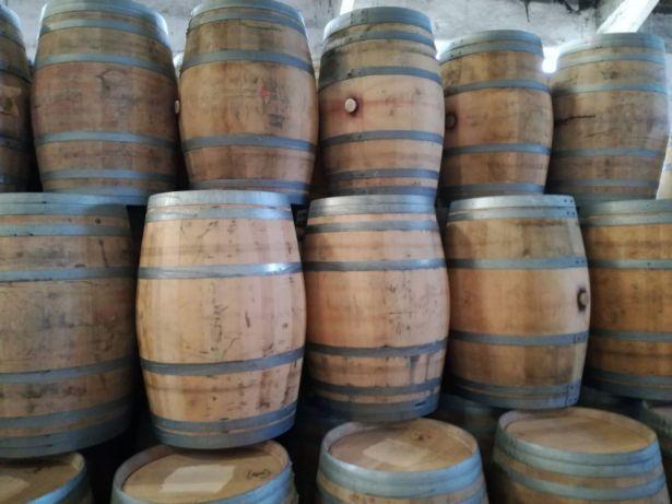 Barricas/Barril/Pipos avinhados madeira de carvalho 225 litros Bougado (São Martinho E Santiago) - imagem 4