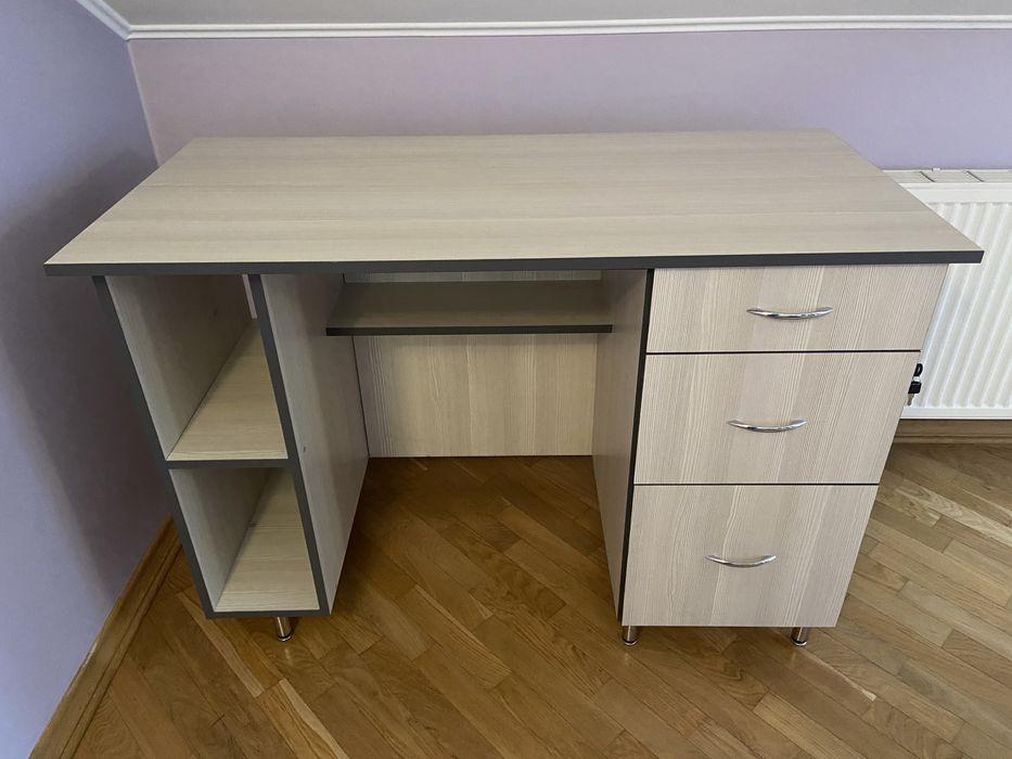 Компютерний, письмовий офісний стіл
