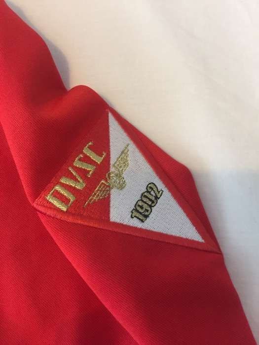 23ae767839 Arquivo  Casaco adidas debreceni novo Benfica • OLX Portugal