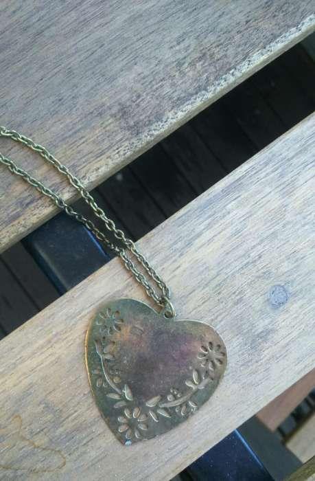 Colar coração bronze