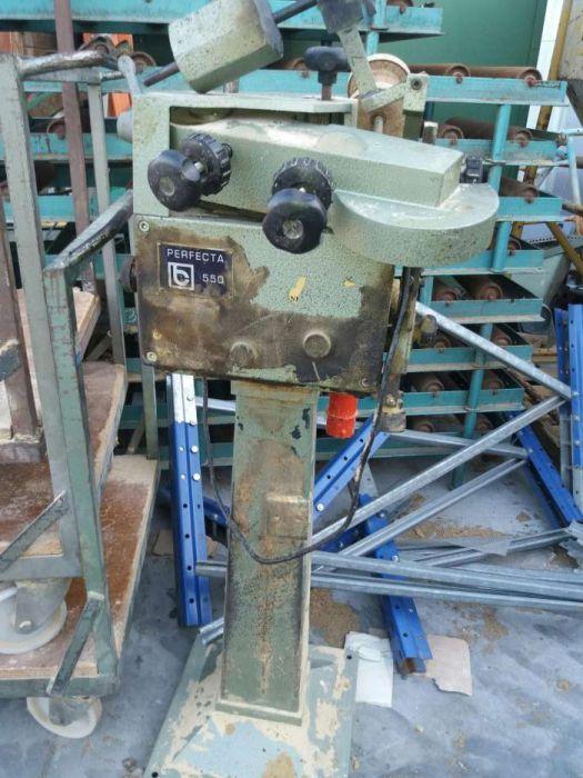 Máquina de afiar serras de fita