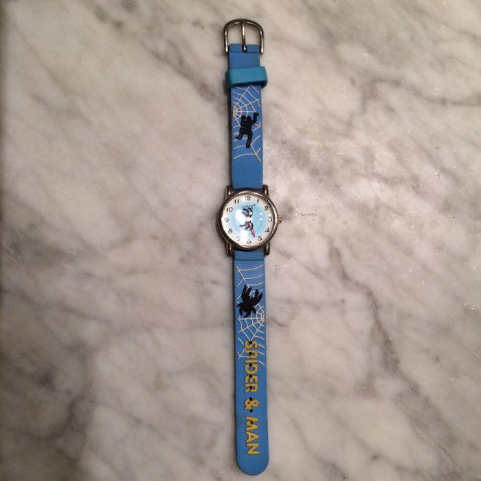 7bd177b284a Relógio do homem aranha - Carcavelos E Parede - Vendo relógio do homem  aranha em excelente