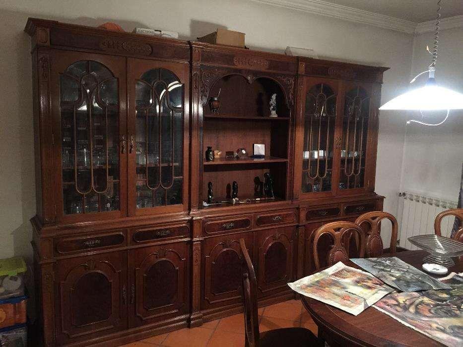 Móvel de sala em madeira de alta qualidade