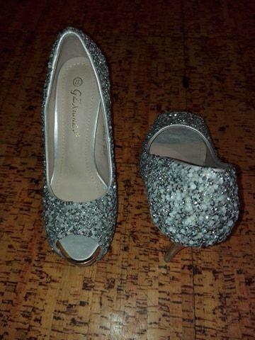 dc4d99e5d Sapatos de cerimonia prateados elegantes com brilhantes Arcozelo das Maias  - imagem 2