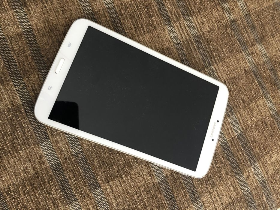 Tablet Samsung modelo SM-T310