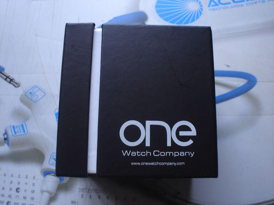 9ddaba7e04d Desconto Unico Novo Preço Relógio marca One novo em caixa Vila Nova De  Famalicão E Calendário • OLX Portugal