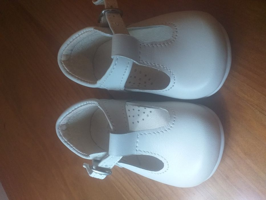 3 pares de sapatos bebé da Zara em óptimo estado Estrela