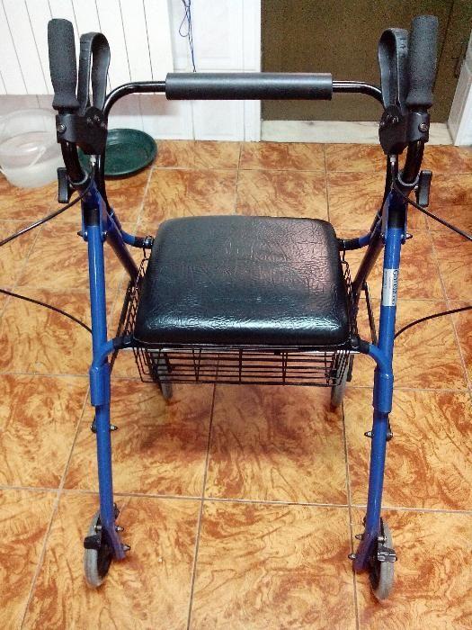 Andarilho para pessoas com mobilidade reduzida.
