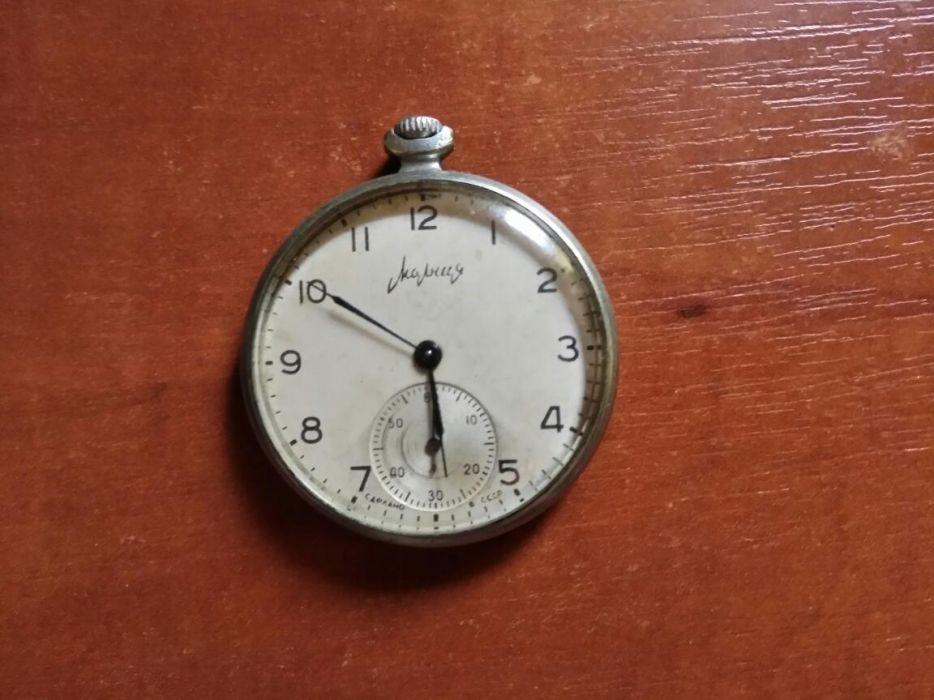 Продать часы молния механические продам ссср настольные часы