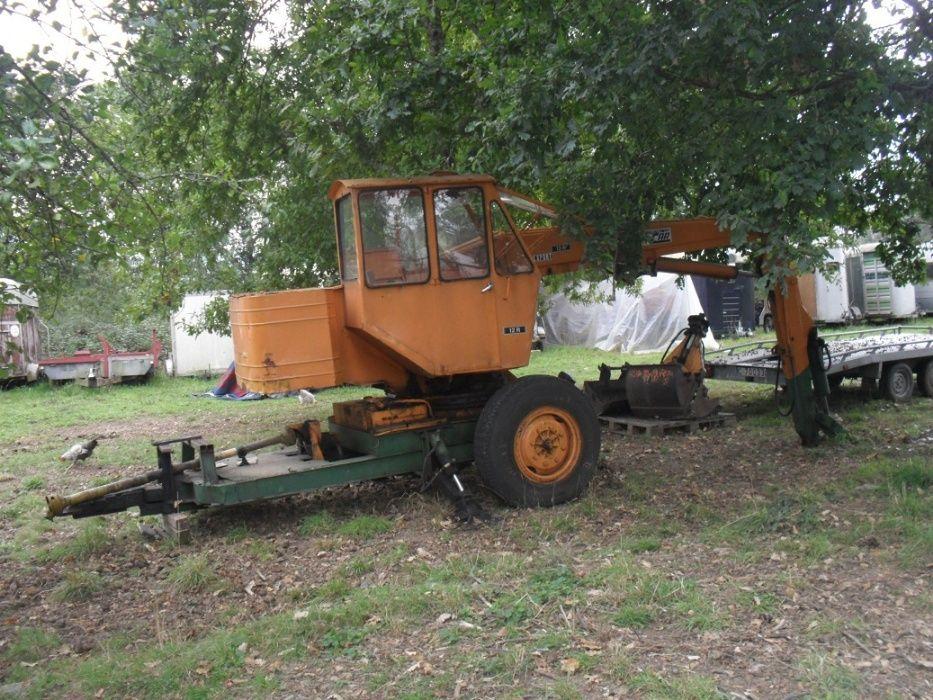 Reboque grua/rectro para acoplar atrás do tractor