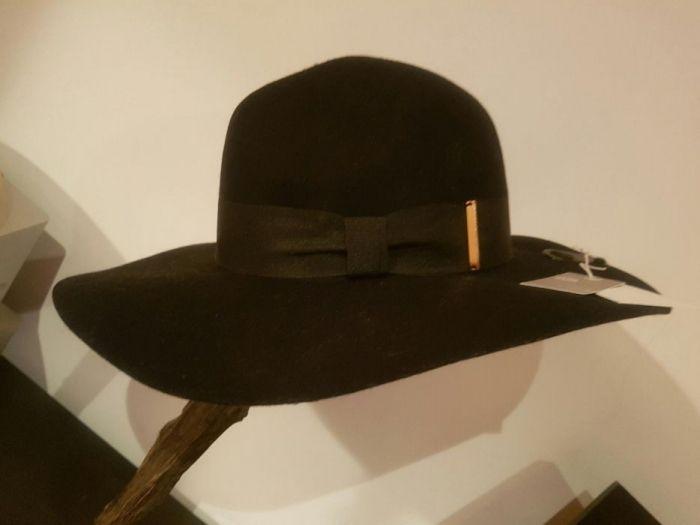 Chapéu inverno H&M com etiqueta