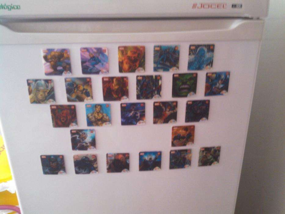 cromos holográficos marvel galp convertiveis em ímanes frigorífico