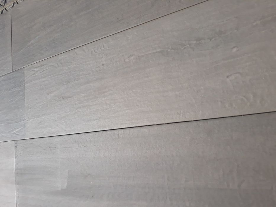 Tijoleira 25x100 porcelanico