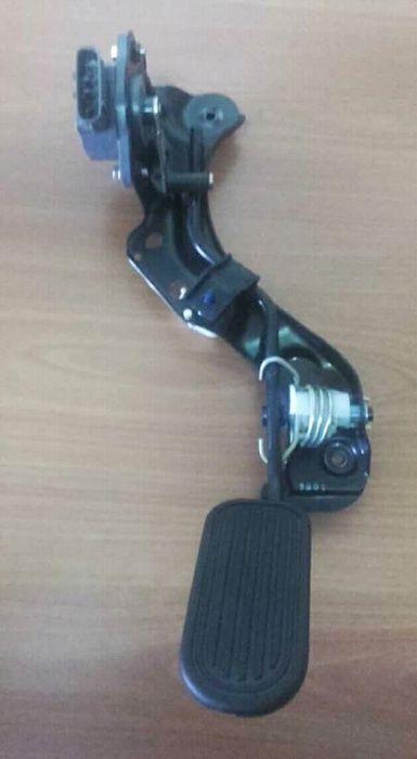 Pedal acelerador eletrico toyota avensis D4D NOVO