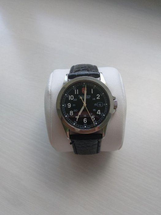 Продам часы victorinox работы курьера часа стоимость