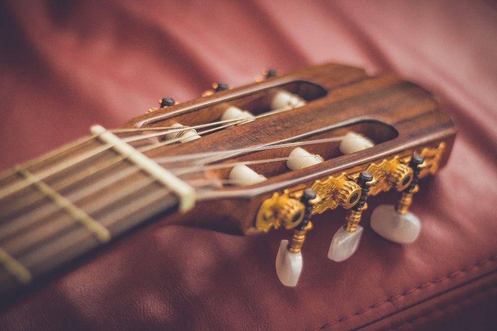Aulas de guitarra clássica