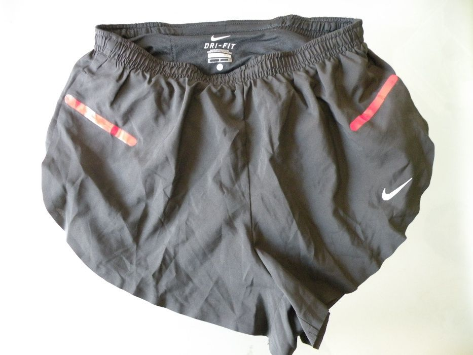 Calções atletismo Nike