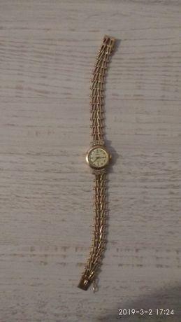 Часы продам чайка золотые женские ссср цена продать часы луч золотые
