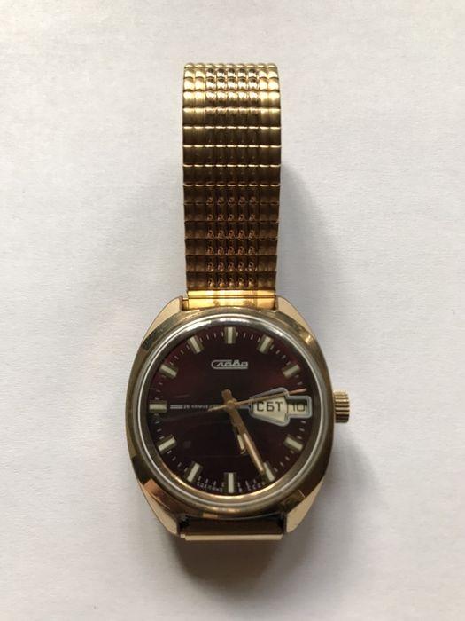 Часы  Слава  26 камней в позолоте AU10 с новым браслетом