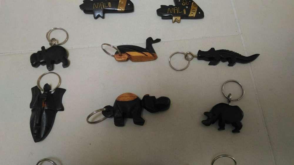 Porta chaves de madeira África Lamego (Almacave E Sé) - imagem 3