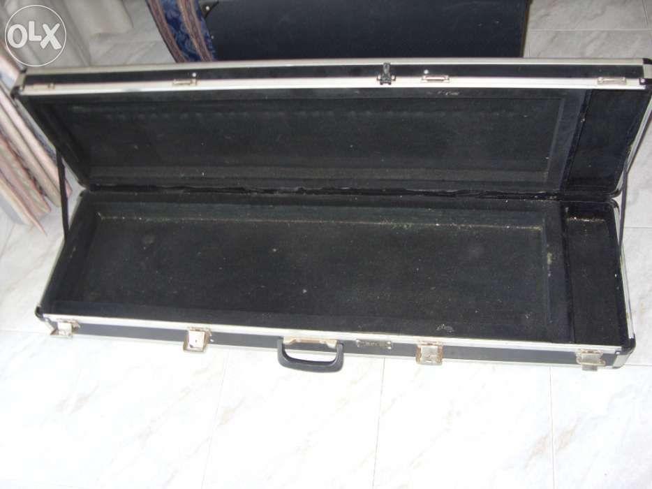 Case-Para teclado Estômbar E Parchal - imagem 1