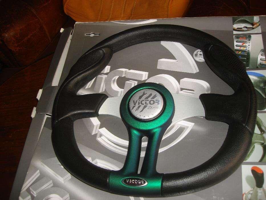 3ab9e608f73a7 Volante desportivo novo da marca Victor made in itália Parque das Nações • OLX  Portugal