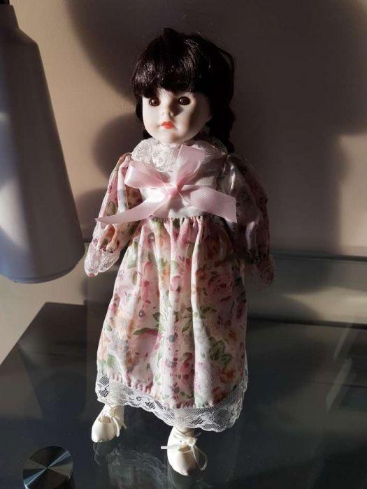 Boneca porcelana