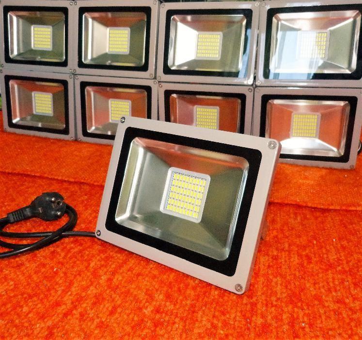 Projector 30w LED - SLIM = 300w halogéneo