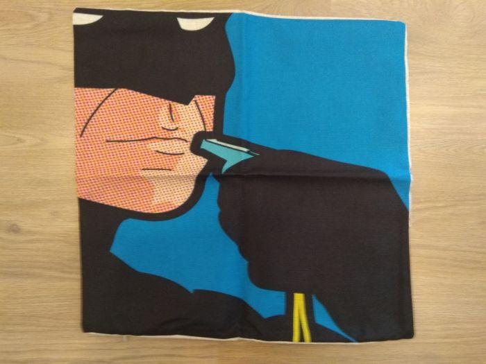 1cbd29542e Capa Almofada Batman com apito fronha heroi dc Carnaxide E Queijas • OLX  Portugal