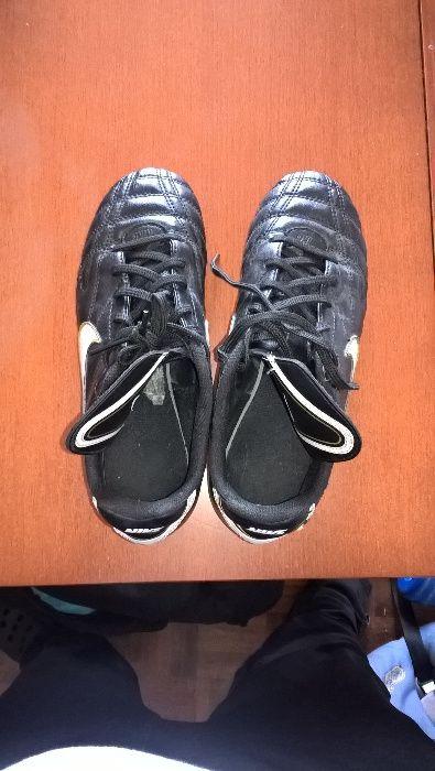 Chuteiras Futebol Nike tamanho 38 - Laranjeiro E Feijó - Chuteiras Nike  Tiempo com pitons de 47fd8350ff4d9