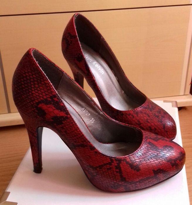 f9981c263 Sapatos tacão alto compensados, desenho tipo pele de cobra vermelho 35